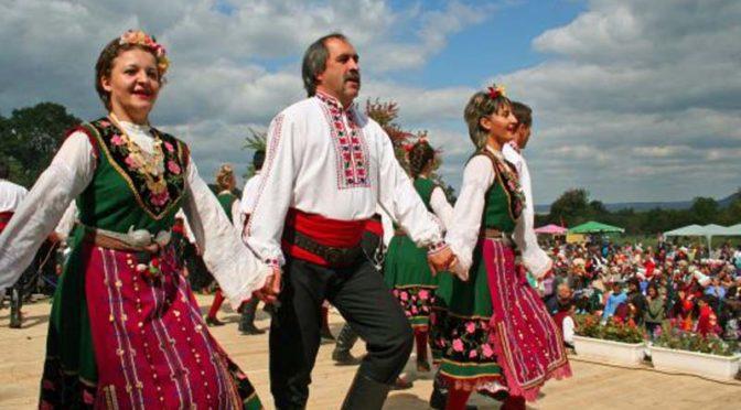 """Ансамбъл """"Мизия"""" на конкурс в Румъния"""