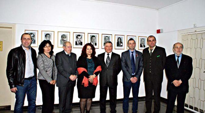 Изложба с портрети на областните управители на Търговище