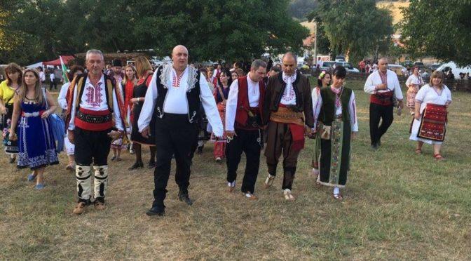 Митко Стайков взе участие в 10 издание на Фестивала на фолклорната носия 2017 в Жеравна