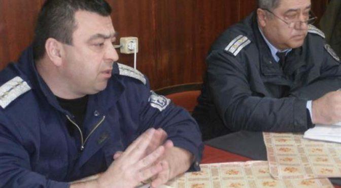 Полицейски служители разговаряха с пенсионери как да се предпазят от телефонните измамници