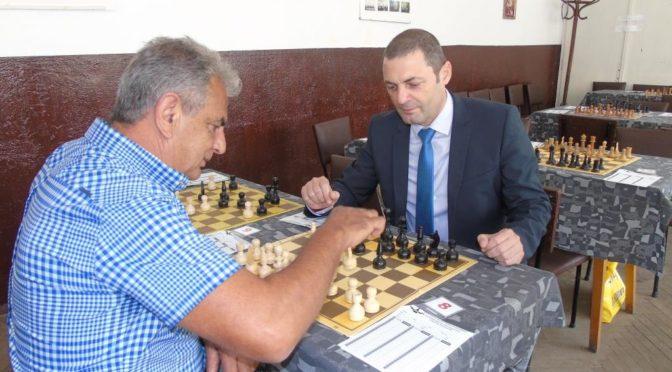 Областният управител на Търговище откри Шахматния турнир в Славяново