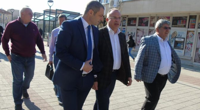 Министър Румен Порожанов  откри новите офиси на земеделските служби в Търговище и Омуртаг