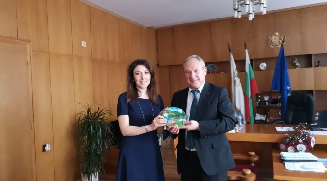 Кметът на Търговище проведе среща с посланика на Азербайджан в България
