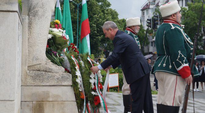 Търговище се поклони пред делото на Ботев и загиналите за свободата и независимостта на България