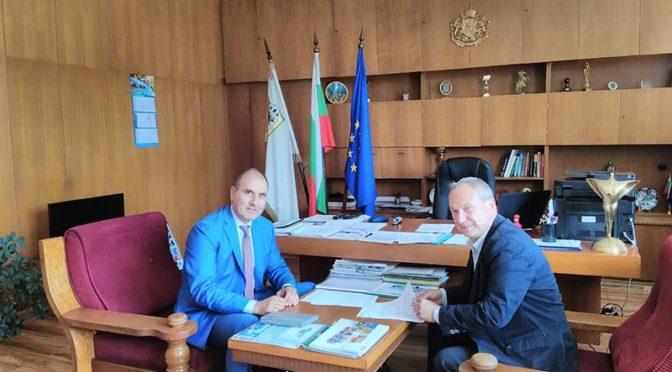 Кметът на Търговище търси съдействие от Цветан Цветанов за ремонта на тренировъчната зала