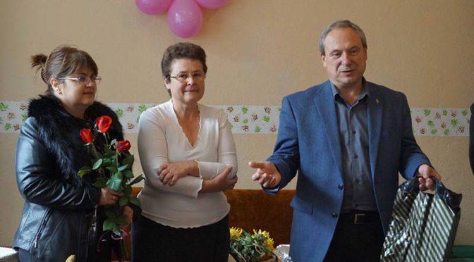 Кметът д-р Дарин Димитров  откри пенсионерски клуб в село Осен