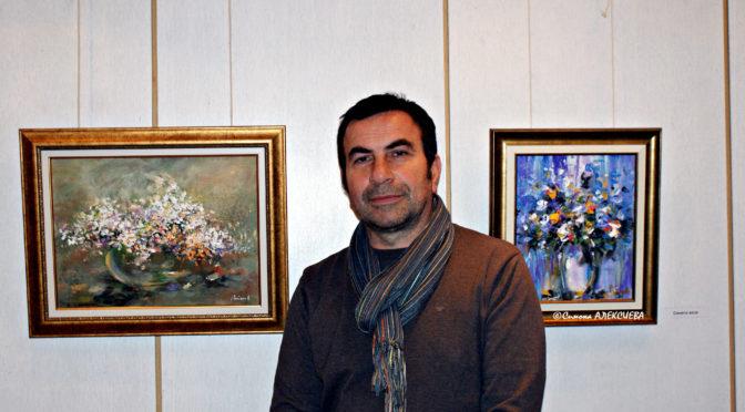 Изложба посветена на цветята бе представена в библиотеката