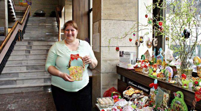 Великденски базар отвори врати в библиотеката