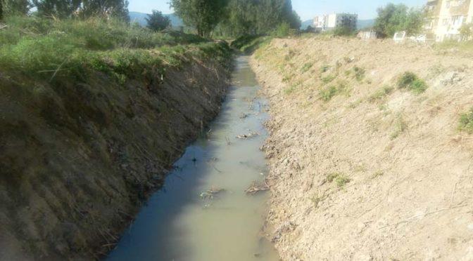 Тече дейност по почистване на коритото на река Сива