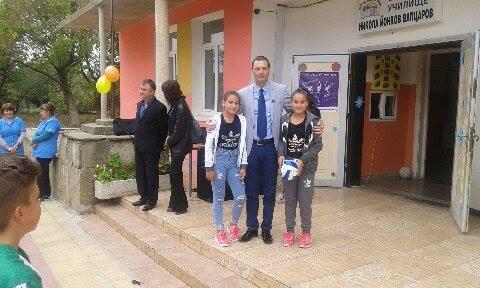 """Митко Стайков откри Европейския ден на спорта в училище """"Н.Й.Вапцаров"""" в с.Врани кон"""