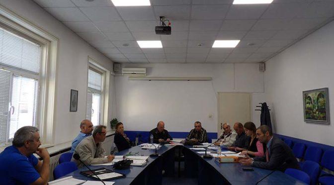 Областният управител ръководи заседание на Междуведомствената комисия за проверка на безопасността за експлоатация на потенциално опасните водни обекти в област Търговище
