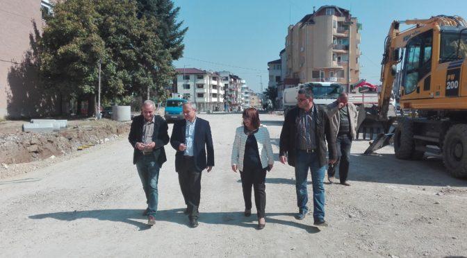 """Инспектираха ремонтите на бул. """"Стамболийски"""" и изграждането на """"Катрафилов"""""""