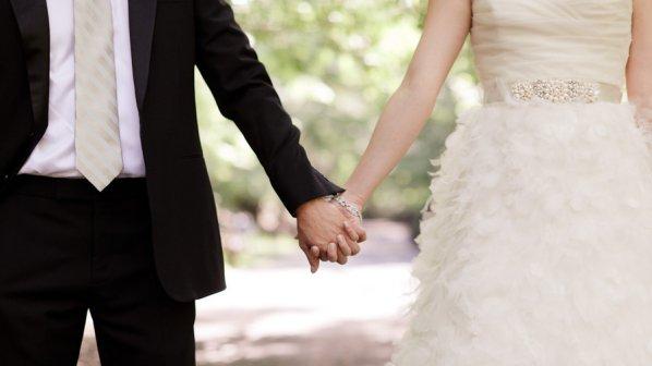 Нови сватбени ритуали за младоженците в Търговище