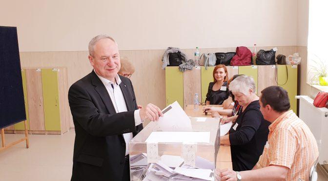 Кметът на Търговище д-р Дарин Димитров гласува за европейското развитие на България