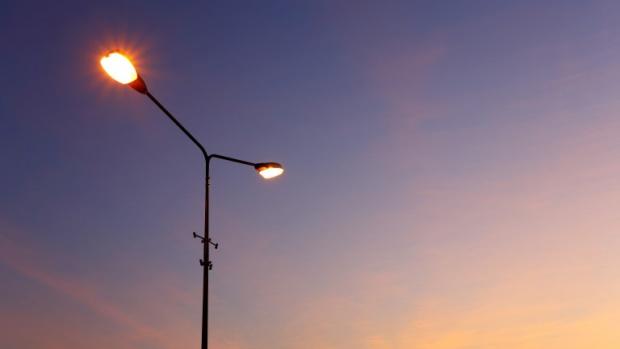 Поставят осветление на пешеходни пътеки в Търговище