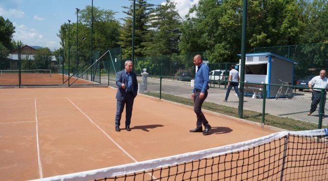 Отворени за посещение са четирите нови тенис корта в Търговище