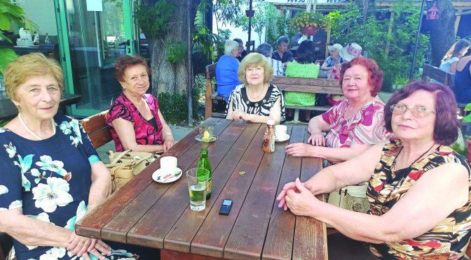 """На раздумка с пет дами в ресторант """"Нова Мизия"""""""