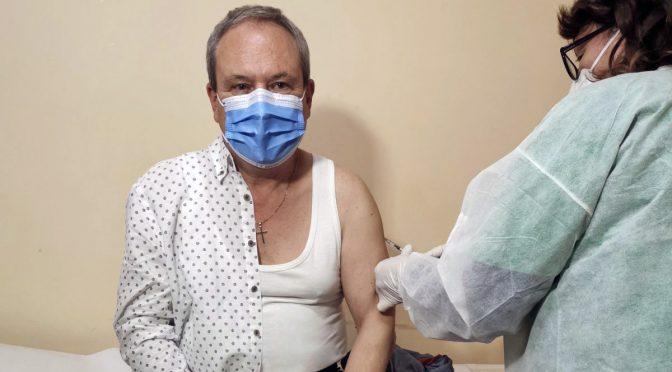 Кметът на Търговище се ваксинира срещу COVID-19