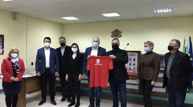 """Водачът ген. Кольо Милев и кандидатите на """"БСП за България"""" се срещнаха с жителите на Антоново"""